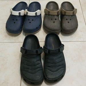 Bundle of 3 pairs of mens crocs.